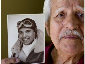pic:  Roberto Ruiz, B-24 Liberator, WW2 Army Air Force Pilot, UMAVA, United Mexican-American Veterans Assoc, hispanic veterans, latino veterans,